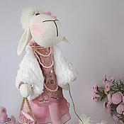Куклы и игрушки ручной работы. Ярмарка Мастеров - ручная работа Овечка. Игрушка текстильная. Дама с собачкой.. Handmade.