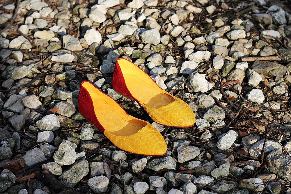 ballet flats from python pointy toe yellow bordeaux