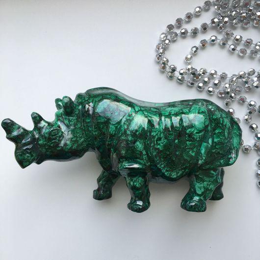 Статуэтки ручной работы. Ярмарка Мастеров - ручная работа. Купить Большой носорог из натурального Малахита. Малахитовый носорог. Handmade. Малахит