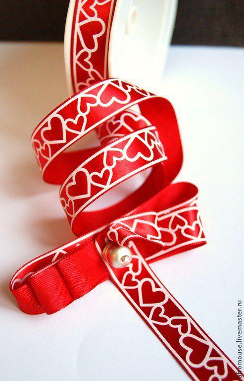№3  -  Красная цепочка сердечек