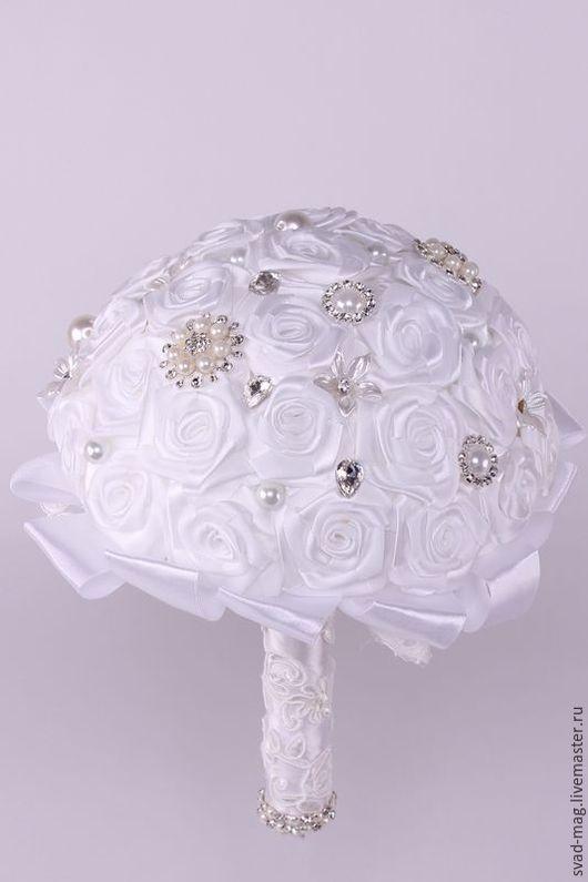 Свадебные цветы ручной работы. Ярмарка Мастеров - ручная работа. Купить Букет для невесты (брошь-букет). Handmade. Бежевый, белый