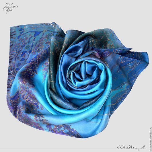 """Шали, палантины ручной работы. Ярмарка Мастеров - ручная работа. Купить """"Ночное озеро"""" атласный шелковый платок с авторской росписью на заказ. Handmade."""