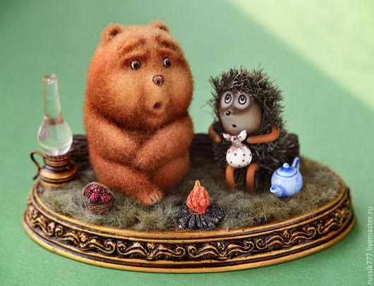 Миниатюра ручной работы. Ярмарка Мастеров - ручная работа. Купить Ёжик и Mедвежонок. Handmade. Разноцветный, сказка на ладошке