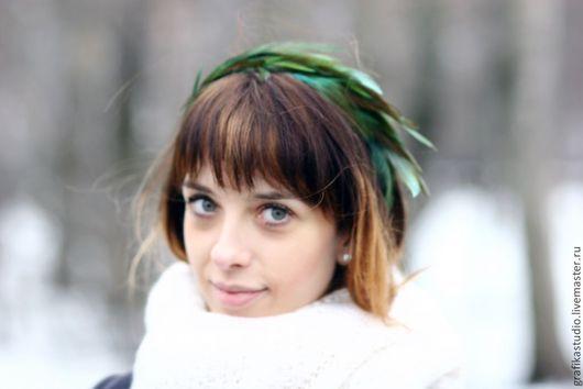 Диадемы, обручи ручной работы. Ярмарка Мастеров - ручная работа. Купить Ободок для волос с перьями зелено-коричневый. Handmade. Хаки