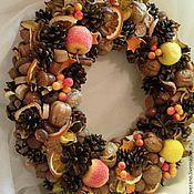Подарки к праздникам ручной работы. Ярмарка Мастеров - ручная работа Рождественский венок (в оранжевом). Handmade.