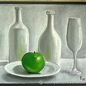 Картины ручной работы. Ярмарка Мастеров - ручная работа Белый натюрморт с зеленым яблоком. Сухая пастель, бумага для пастели.. Handmade.