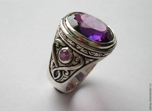 Кольца ручной работы. Ярмарка Мастеров - ручная работа. Купить Перстень с александритами  и орнаментом. Handmade. Тёмно-фиолетовый, красивый перстень