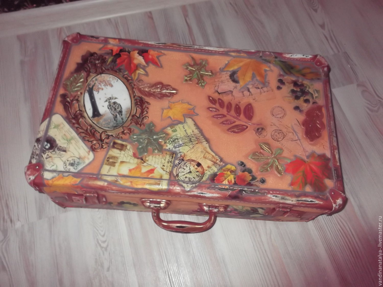 Декупаж старого чемодана фото 8
