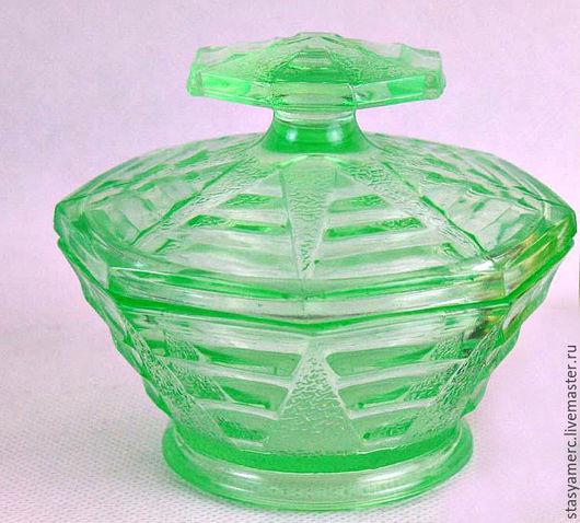 Винтажные предметы интерьера. Ярмарка Мастеров - ручная работа. Купить Старинная стеклянная банка зеленого стекла  Англия 2шт. Handmade.