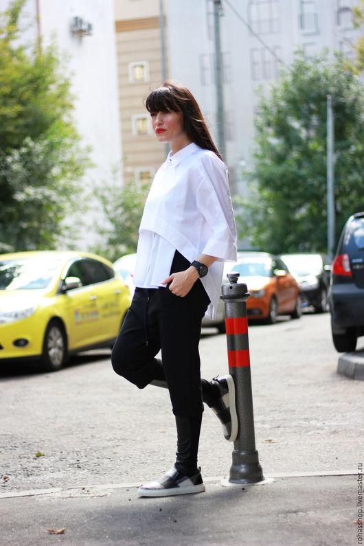 R00088 Красивая и стильная рубашка свободного кроя, из хлопка. Свободный стиль,и комфорт! Уникальный и ассиметричный дизайн! Белая, женская рубашка на каждый день!