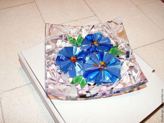 """Тарелки ручной работы. Ярмарка Мастеров - ручная работа. Купить Тарелочка """"Синие цветочки""""(фьюзинг). Handmade. Синий, тарелочка из стекла"""