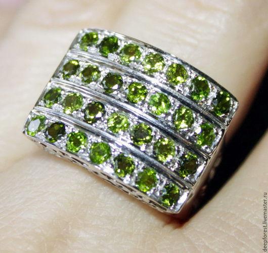 """Кольца ручной работы. Ярмарка Мастеров - ручная работа. Купить Кольцо с хромдиопсидом """"Пандора"""". Handmade. Зеленый, кольцо серебро"""