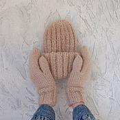 Шарфы ручной работы. Ярмарка Мастеров - ручная работа Вязаный комплект шапка и варежки. Handmade.