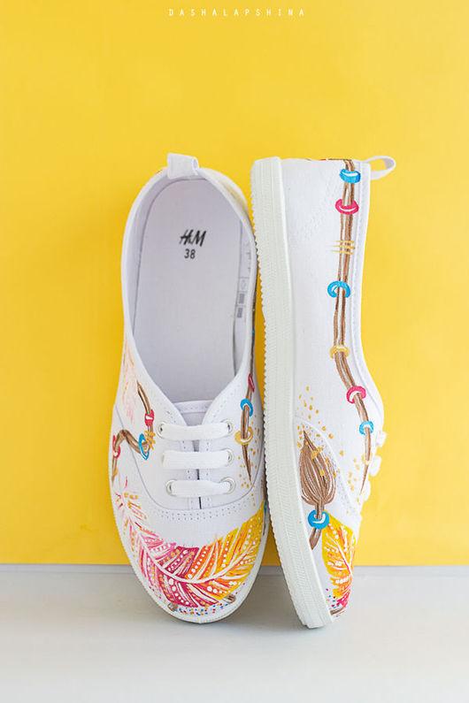 Обувь ручной работы. Ярмарка Мастеров - ручная работа. Купить Кеды с росписью Magic feathers - белые. Handmade. Роспись по ткани