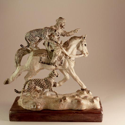 """Миниатюрные модели ручной работы. Ярмарка Мастеров - ручная работа. Купить Статуэтка """"Охота с гепардами"""". Handmade. Белый, охота, конь"""