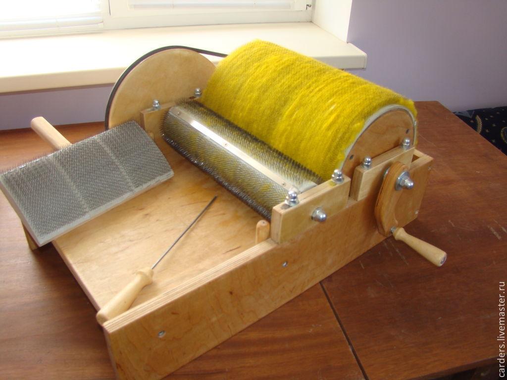 Кардер барабанный для вычесывания шерсти