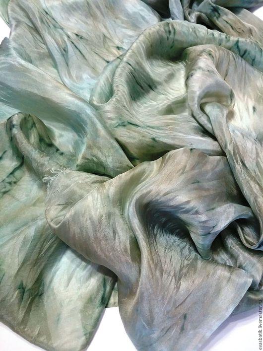 Платок шелковый Зачарованный лес. Платки шарфы батик, аксессуары ручной работы. Шелковые шарфы платки палантины, шарфы и шарфы, подарок на день рождения девушке, подарок женщине.