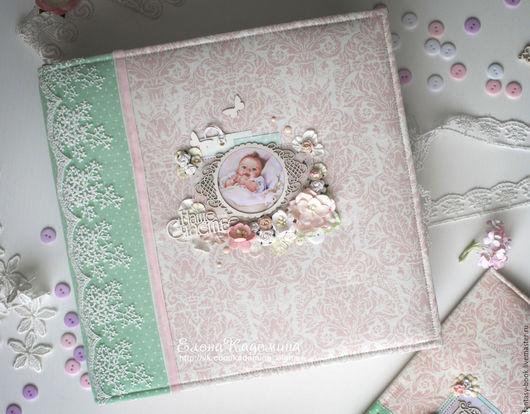 """Подарки для новорожденных, ручной работы. Ярмарка Мастеров - ручная работа. Купить Альбом """"Наше счастье"""". Handmade. Мятный, подарок на выписку"""