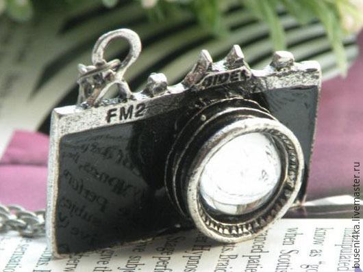 Для украшений ручной работы. Ярмарка Мастеров - ручная работа. Купить Подвеска Фотоаппарат черный №2, на цепочке. Handmade.