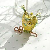 Мини фигурки и статуэтки ручной работы. Ярмарка Мастеров - ручная работа Миниатюрная сова с ключом от счастья. Handmade.