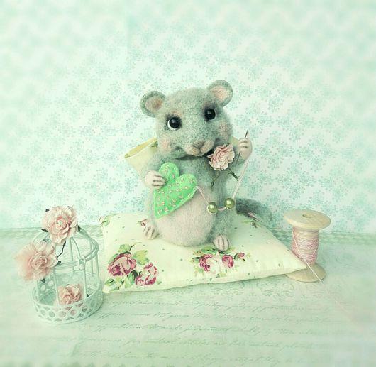 Игрушки животные, ручной работы. Ярмарка Мастеров - ручная работа. Купить Мышка Шуршуля валяная игрушка из шерсти. Handmade.