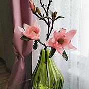 Цветы и флористика ручной работы. Ярмарка Мастеров - ручная работа Магнолия в зеленой вазе. Handmade.