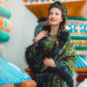 Одежда ручной работы. Ярмарка Мастеров - ручная работа Двусторонняя тёплая шаль с эко мехом в стиле А-ля Русс. Handmade.
