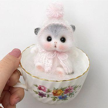 Куклы и игрушки ручной работы. Ярмарка Мастеров - ручная работа Крошка мышка в белом костюмчике. Handmade.