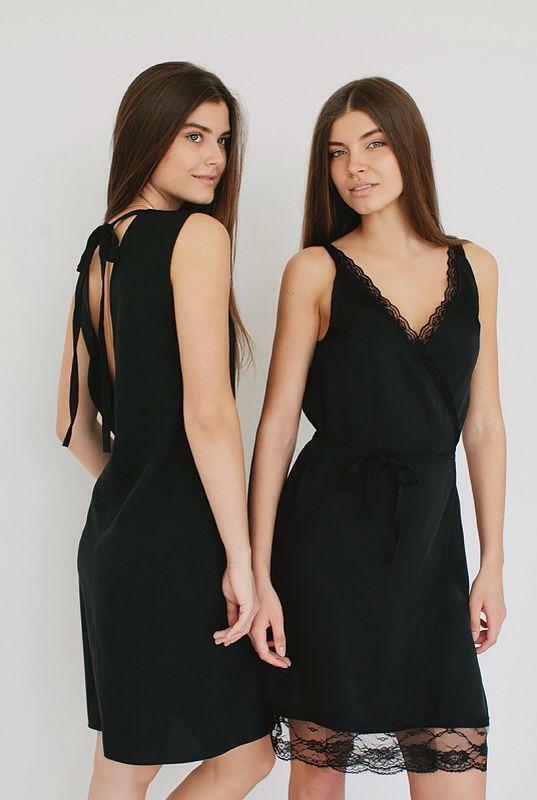 Шелковые платья с кружевами