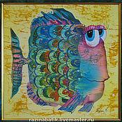 Картины ручной работы. Ярмарка Мастеров - ручная работа Разноцветные рыбки(батик панно). Handmade.