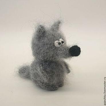 Куклы и игрушки ручной работы. Ярмарка Мастеров - ручная работа Серый волк. Вязаная игрушка.. Handmade.