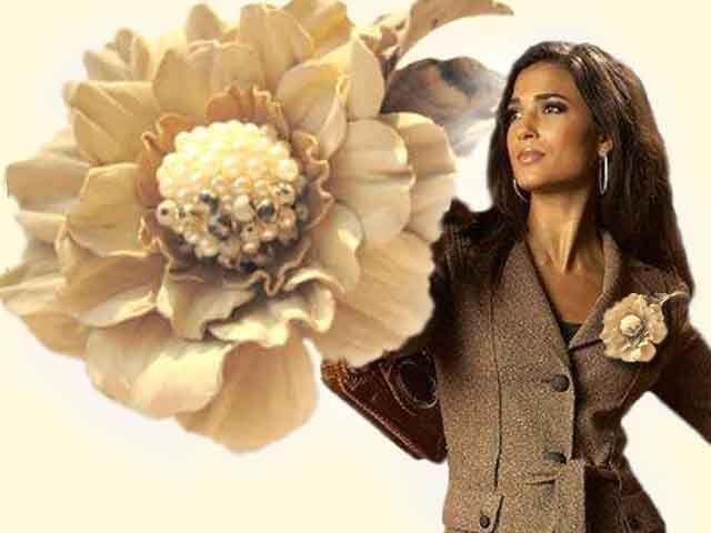 цветы из кожи, кожаные цветы брошь, заколка из кожи цветок  украшение из кожи брошь,аксессуары из кожи заколка,  брошь заколка из кожи, цветок кожаный брошь, ободок с цветами из кожи, обруч для волос
