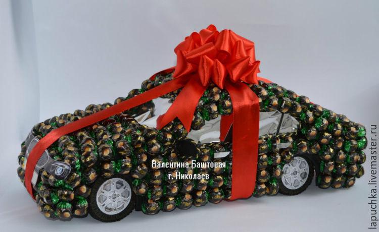 Машинки из конфет пошаговое фото
