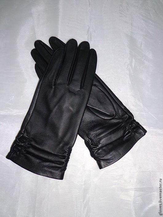 Варежки, митенки, перчатки ручной работы. Ярмарка Мастеров - ручная работа. Купить Перчатки женские кожаные без подкладки с драпировкой. Handmade.