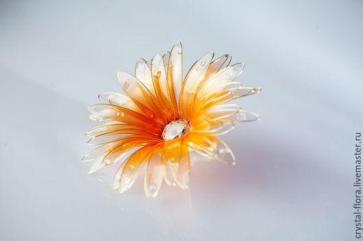Заколки ручной работы. Ярмарка Мастеров - ручная работа. Купить Гербера оранжевая (заколка для волос, яркий прозрачный цветок). Handmade.