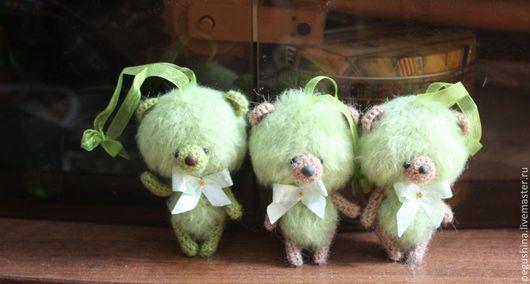 """Игрушки животные, ручной работы. Ярмарка Мастеров - ручная работа. Купить Медвежата """"Яблочки"""". Handmade. Мишка, вязаные игрушки"""