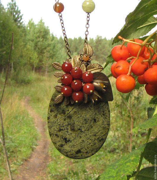 """Кулоны, подвески ручной работы. Ярмарка Мастеров - ручная работа. Купить Кулон """"Плоды земные"""" с сердоликом и змеевиком. Handmade. Зеленый"""