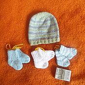 Аксессуары ручной работы. Ярмарка Мастеров - ручная работа Шапочка и носочки из хлопка-стрейч, связаны для новорожденных деток. Handmade.