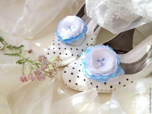 Цветы, заколки, броши, клипсы, туфли, босоножки, невеста, праздник, нежное украшение