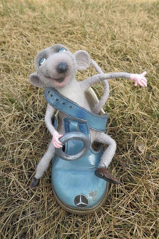 """Куклы и игрушки ручной работы. Ярмарка Мастеров - ручная работа. Купить мышь """"Мечтать не вредно!"""". Handmade. Серый, игрушка из шерсти"""