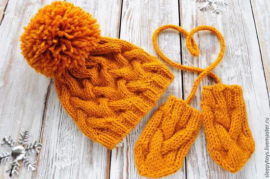 Для новорожденных, ручной работы. Ярмарка Мастеров - ручная работа. Купить Вязаная шапка с помпоном и варежки для фотосессии новорожденных. Handmade.