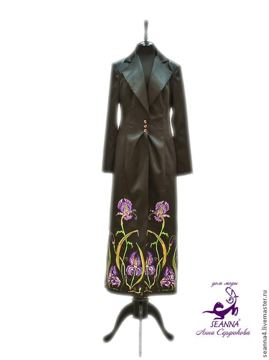 """Верхняя одежда ручной работы. Ярмарка Мастеров - ручная работа. Купить Пальто атласное вышитое шелком """"Магические Ирисы"""" в любом размере и цв. Handmade."""
