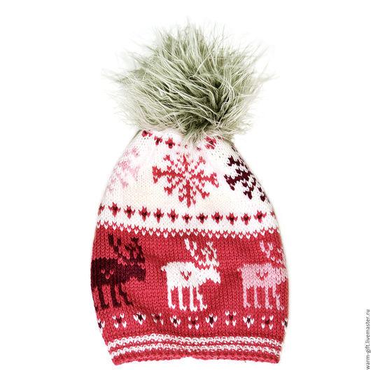 """Шапка с помпоном """"Счастливые олени"""" (05-45) Hat with pompon """"Happy Deer"""" (05-45) Длинна (до помпона) 27 см, 1 шт. Цена 2800 руб. (36 EUR)"""