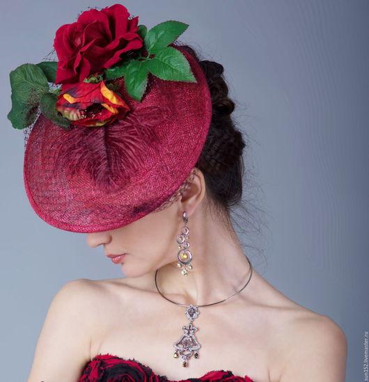 Шляпка `Роскошные цветы` - 4000 р