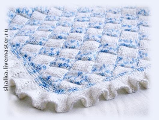 """Пледы и одеяла ручной работы. Ярмарка Мастеров - ручная работа. Купить Плед """"Карамелька"""" бело-голубой. Handmade. Плед, на выписку"""