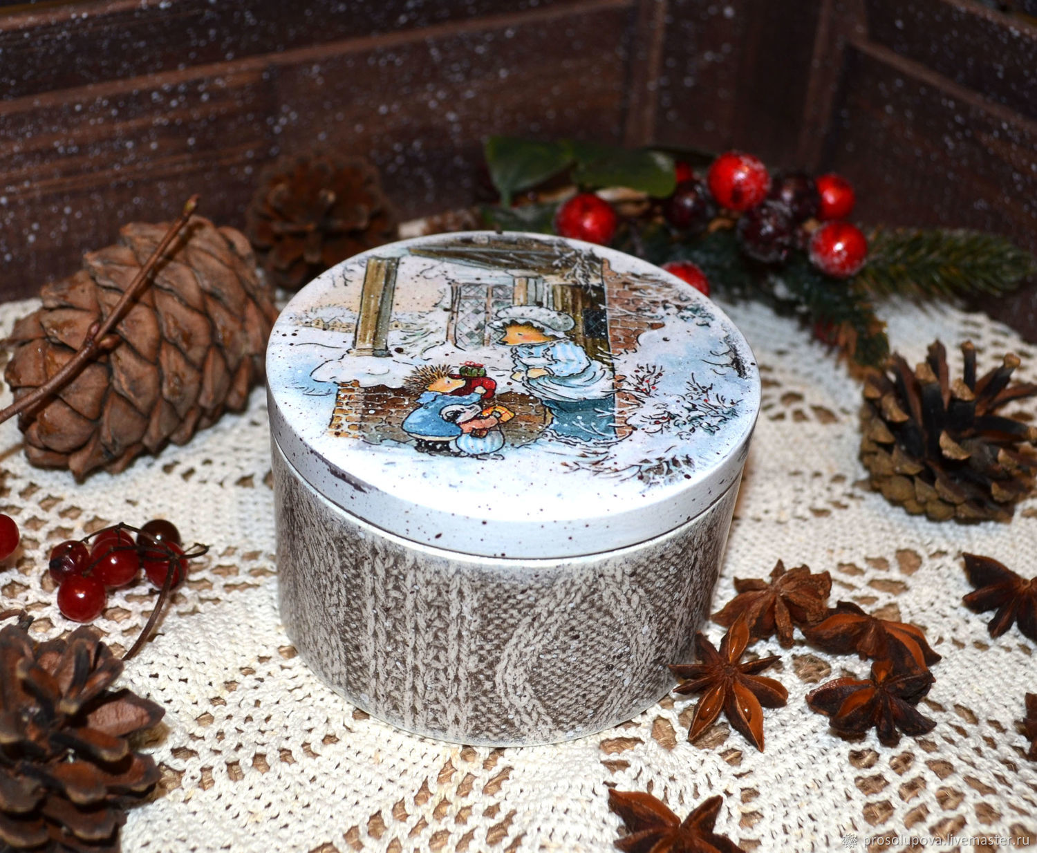 Round Christmas box decoupage ' time of fairy tales', Box, St. Petersburg,  Фото №1