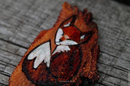 """Броши ручной работы. Ярмарка Мастеров - ручная работа. Купить Брошь """"Сонный лисёнок"""". Handmade. Коричневый, брошь из дерева, морилка"""