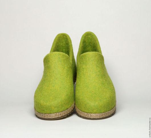 """Обувь ручной работы. Ярмарка Мастеров - ручная работа. Купить Валяные мокасины """"Яблочный фреш"""". Handmade. Салатовый, мокасины валяные"""