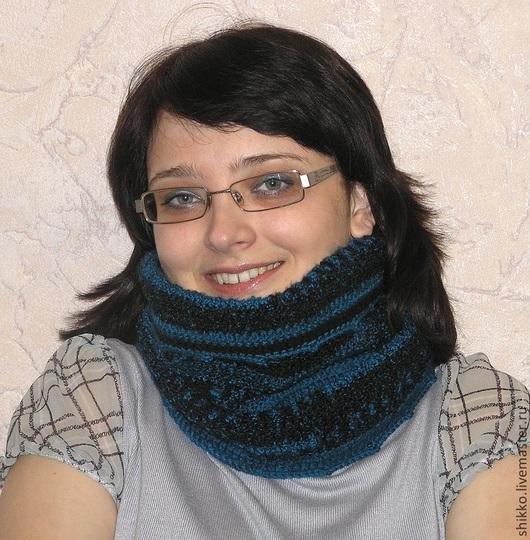 Вязаный крючком женский шарф-снуд-воротник-хомут-труба цвета морской волны. Тёплый яркий модный аксессуар.