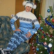 Одежда handmade. Livemaster - original item Sweater and leggings in love with Norway (Norwegian pattern and reindeers). Handmade.